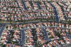 Free Southern California Cul-de-sac Streets And Homes Stock Photo - 155370310