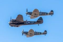 SOUTHPORT, ВЕЛИКОБРИТАНИЯ 8-ОЕ ИЮЛЯ 2018: 2 Spitfires бывший-RAF и Бристоль Bl Стоковые Фотографии RF