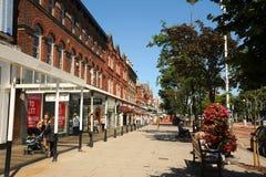 Southport för huvudsaklig gata blom- stad Merseyside Arkivbild