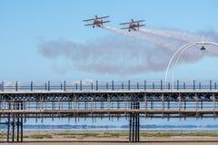 SOUTHPORT, UK ΣΤΙΣ 8 ΙΟΥΛΊΟΥ 2018: Δύο παγκοσμίως διάσημο Aerosuperbatics φτερό στοκ εικόνες με δικαίωμα ελεύθερης χρήσης