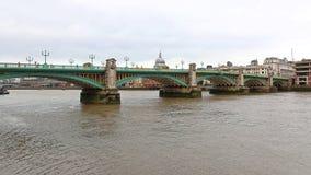 Southwark bro London Royaltyfri Fotografi
