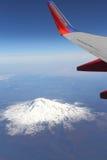 Southwest Airlines über dem Mount Saint Helens Lizenzfreies Stockfoto