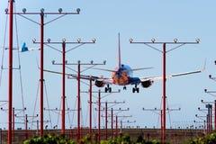 Southwest Airlines 737 cordons chez LAX Photographie stock