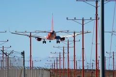 Southwest Airlines 737 sbarchi al LASSISMO fotografia stock libera da diritti