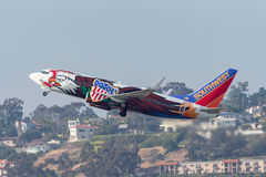 Southwest Airlines Boeing 737-7H4 N918WN som är bekant som ` Illinois en ` som avgår San Diego International Airport Arkivfoto