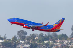 Southwest Airlines Boeing 737-7H4 N948WN som avgår San Diego International Airport Royaltyfri Foto