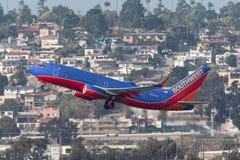Southwest Airlines Boeing 737-7H4 N921WN som avgår San Diego International Airport Fotografering för Bildbyråer