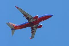 Southwest Airlines Boeing 737 nivå som tar av från den LaGuardia flygplatsen Royaltyfria Foton