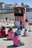 SOUTHWOLD, SUFFOLK/UK - 6月2日:木偶戏表演在Southwol 库存图片