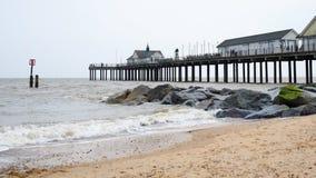 SOUTHWOLD, SUFFOLK/UK - 12-ОЕ ИЮНЯ: Взгляд пристани Southwold в Suff Стоковая Фотография RF