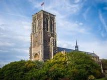 SOUTHWOLD, SUFFOLK/UK - 11 DE JUNIO: Vista de la iglesia del St Edmund adentro Foto de archivo libre de regalías