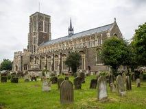 SOUTHWOLD SUFFOLK/UK - JUNI 12: Sikt av kyrkan för St Edmunds in Royaltyfria Bilder