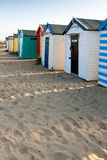 SOUTHWOLD, SUFFOLK/UK - 31. MAI: Bunte Strandhütten bei Southwo Stockfotografie