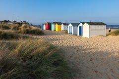 SOUTHWOLD, SUFFOLK/UK - 31. MAI: Bunte Strandhütten bei Southwo Stockfotos