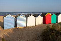 SOUTHWOLD, SUFFOLK/UK - 31. MAI: Bunte Strandhütten bei Southwo Stockbilder