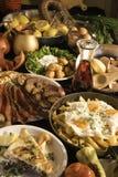 Soutzouki, pastourmas, ägg och köttbollar arkivfoton
