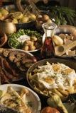 Soutzouki, pastourmas, ägg och köttbollar royaltyfria bilder