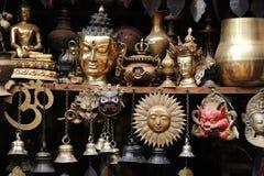Souvenir de cuivre au Népal Images libres de droits