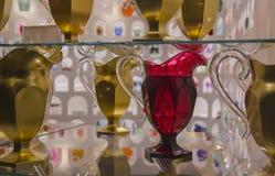 Souvenir de Florence, Italie Beaux plats, cruches et verres de frustalnaya Images stock