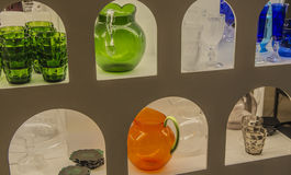 Souvenir de Florence, Italie Beaux plats, cruches et verres en cristal Photos libres de droits
