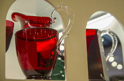 Souvenir de Florence, Italie Beaux plats, cruches et verres en cristal Images stock