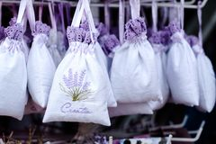 Souvenir de lavande en Croatie, cadeaux de lavande à vendre images libres de droits