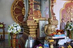 Souvenir och matmarknad på kohsamuien royaltyfria bilder