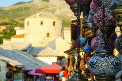 Souvenir på försäljning, Mostar royaltyfri bild