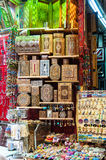Souvenir på skärm i Mutrah Souk, Muscat, Oman Arkivbild