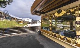 Souvenir shoppar i alpin by av Bettmeralp Fotografering för Bildbyråer