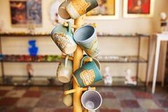 Souvenir shoppar i den gamla staden av Kotor, Montenegro Fotografering för Bildbyråer