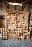 Souvenir shoppar i den gamla staden av Sozopol i Bulgarien Arkivfoto