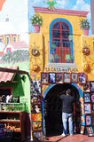 Souvenir shoppar i Ensenada fotografering för bildbyråer