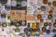 Souvenir shoppar i Szentendre i Ungern royaltyfri foto