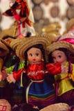 Souvenir shoppar med de traditionella mexicanska objekten Fotografering för Bildbyråer