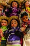 Souvenir shoppar med de traditionella mexicanska objekten Royaltyfri Bild
