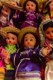 Souvenir shoppar med de traditionella mexicanska objekten Arkivfoto