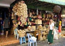 Souvenir shoppar, Yangon, Myanmar Arkivfoton