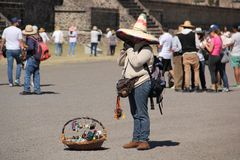Souvenir vendor at Teotihuacan ancient pre-Columbian site, Mexico Stock Photos