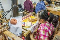 Souvenirfabrik av personer med handikapp Royaltyfria Foton
