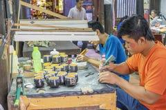 Souvenirfabrik av personer med handikapp Royaltyfri Bild