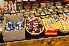 Souvenirladen des russischen Handwerksfestivals, Moskau-Stadttag, 2013 Stockbild