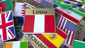 Souvenirmagnet eller emblem med den Lima text och nationsflaggan bland olika Resa till Peru begreppsm?ssig 3D arkivfoton