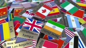 Souvenirmagnet eller emblem med den Toronto text och nationsflaggan bland olika Resa till Kanada begreppsm?ssig intro lager videofilmer