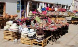 Souvenirmarknad i Sydamerika Arkivfoton
