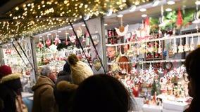 souvenirs annuels du marché d'hiver de Noël de Strasbourg de lentille d'Inclinaison-décalage clips vidéos