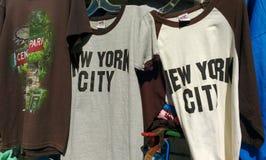Souvenirs de NYC, chemises de New York City, NYC, NY, Etats-Unis image libre de droits