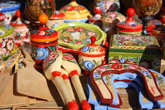 Souvenirs en bois russes traditionnels Photos stock