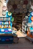 Souvenirs et épices boutique, Maroc photos stock