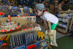 Souvenirs et cadeaux crétois traditionnels photo stock